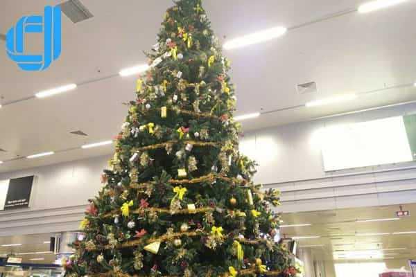 Bảng Giá Thiết Kế Thi Công Cây Thông Noel Trọn Gói Tại Đà Nẵng