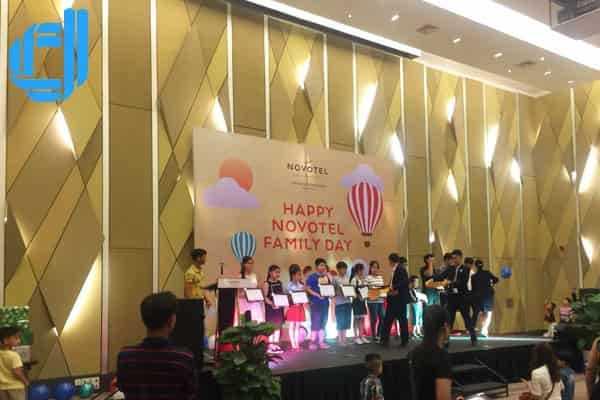 Dịch vụ thiết kế và trang trí sân khấu backdrop tại Đà Nẵng uy tín