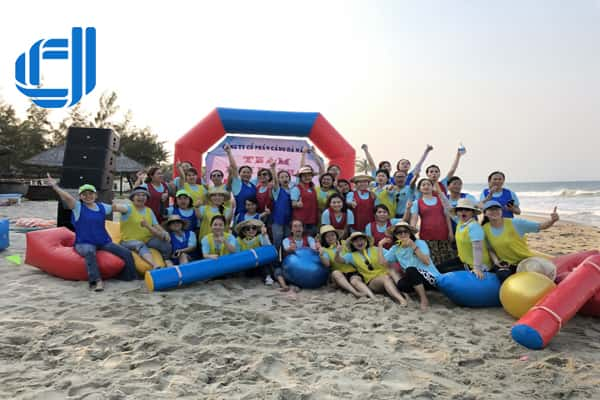 team-building-da-nang-port-we-are-family (1)